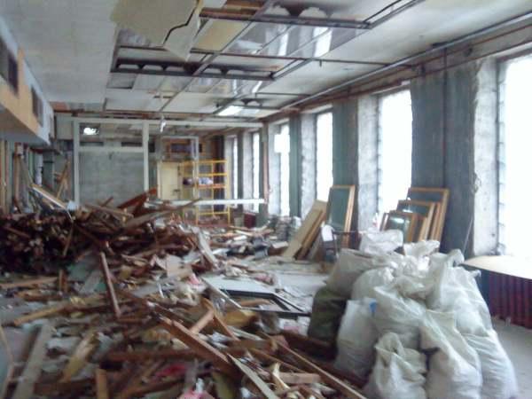 демонтаж перегородок офисного помещения